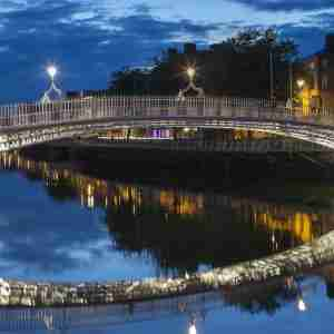 Ha'penny Bridge - Night (2015)