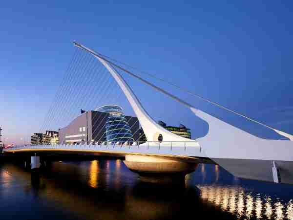 Samuel Beckett Bridge - At dusk (2011)