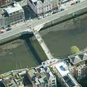 Millennium Bridge from the air (2012)